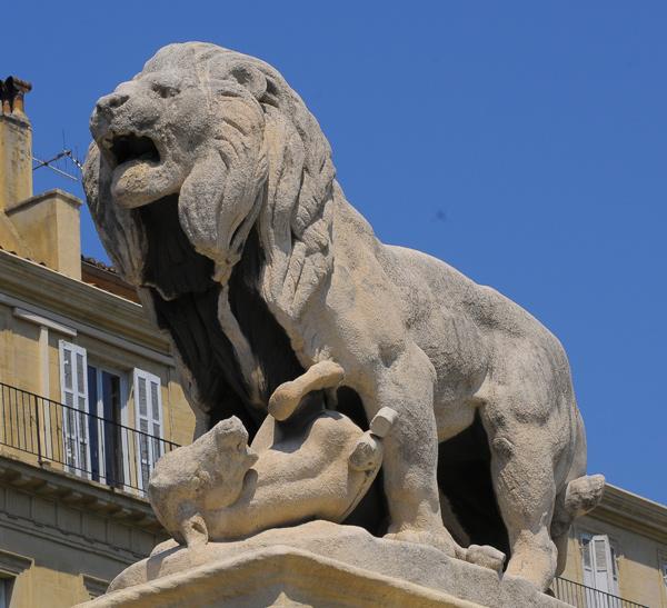Lion terrassant un mouflon. Antoine Barye