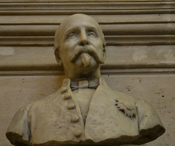 Ke Duc d'Aumale. Paul Dubois