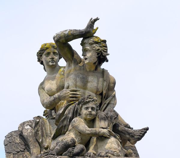 L'Aurore montée sur Pégase attirant Céphale. Pierre 1er Legros.