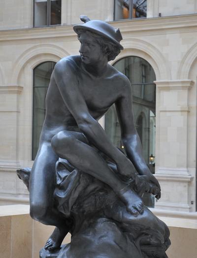 Mercure attachant ses talonnières. Jean Baptiste Pigalle.