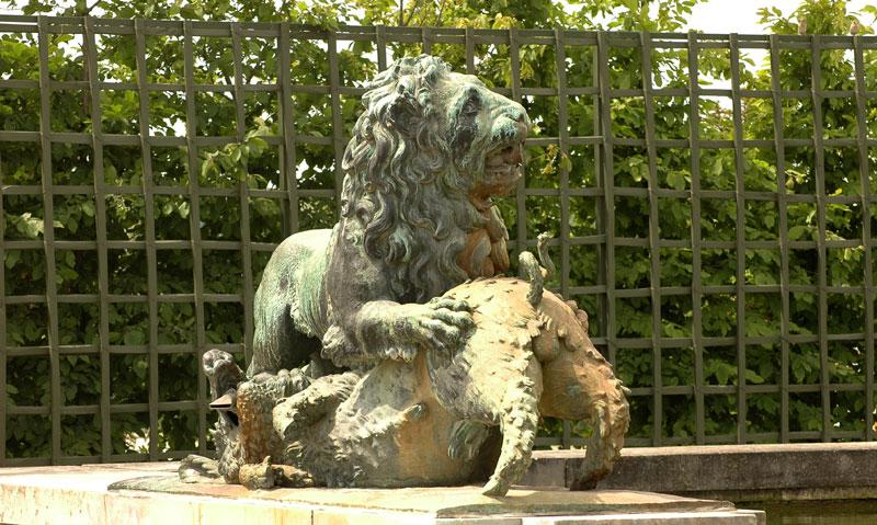 Lion et sanglier. Jean Raon.