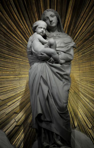 Vierge à l'Enfant. Jean Marie Bonnassieux.