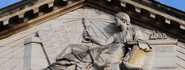 La Religion appuyée à la Vérité devant les tables de la Loi. François Charles Butteux.