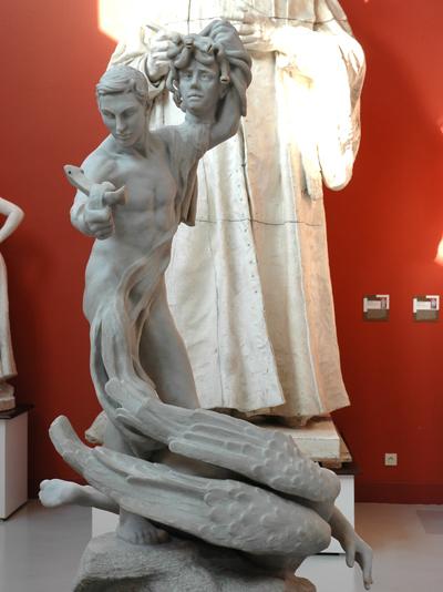 Persée et Gorgonne. Camille Claudel.