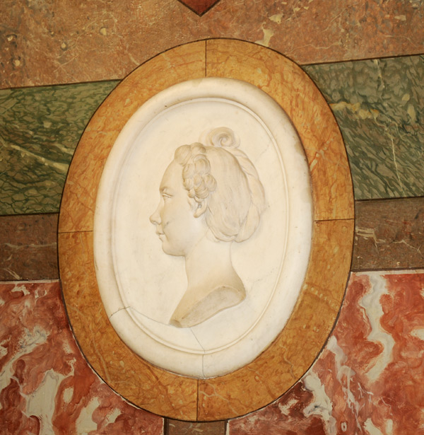 Mme de Live de Jully. Etienne Maurice Falconet.