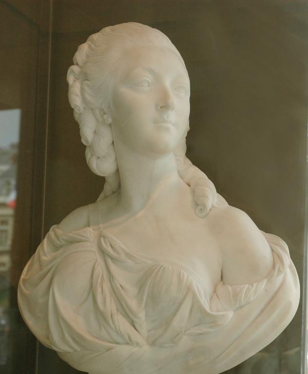 Jeanne Bécu, comtesse Du Barry. Augustin Pajou.