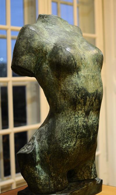 Torse de Jeune femme. Auguste Rodin.