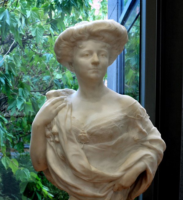 Buste de femme. Corneille Henri Theunissen