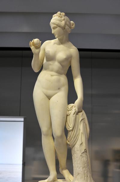 La Vénus à la pomme. Bertel Thorvaldsen.
