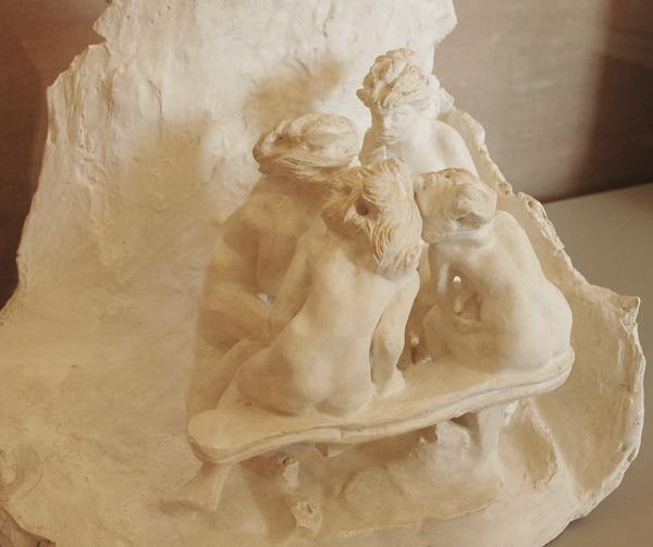 Les Causeuses. Camille Claudel.