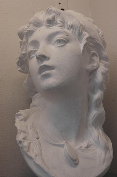 Buste de femme. Auguste Rodin.