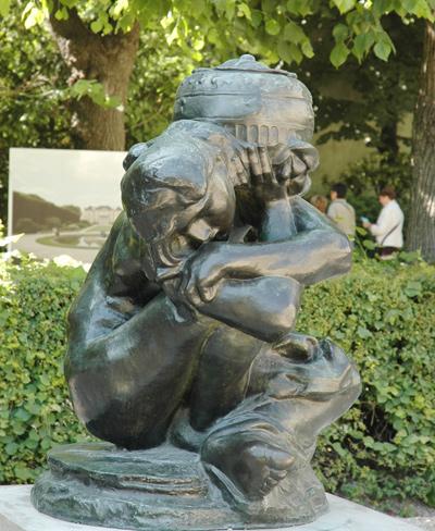 Génie du repos éternel. Auguste Rodin.