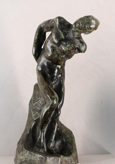 Homme penché. Auguste Rodin.