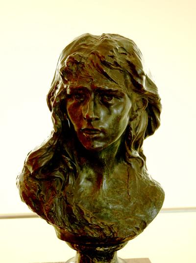 Rose  Beuret en mignon. Auguste Rodin.