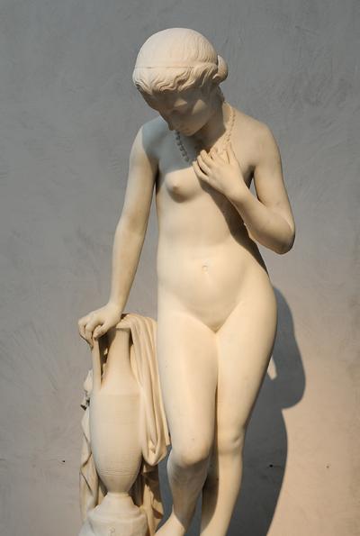 Jeune fille à la source. André François Truphême.